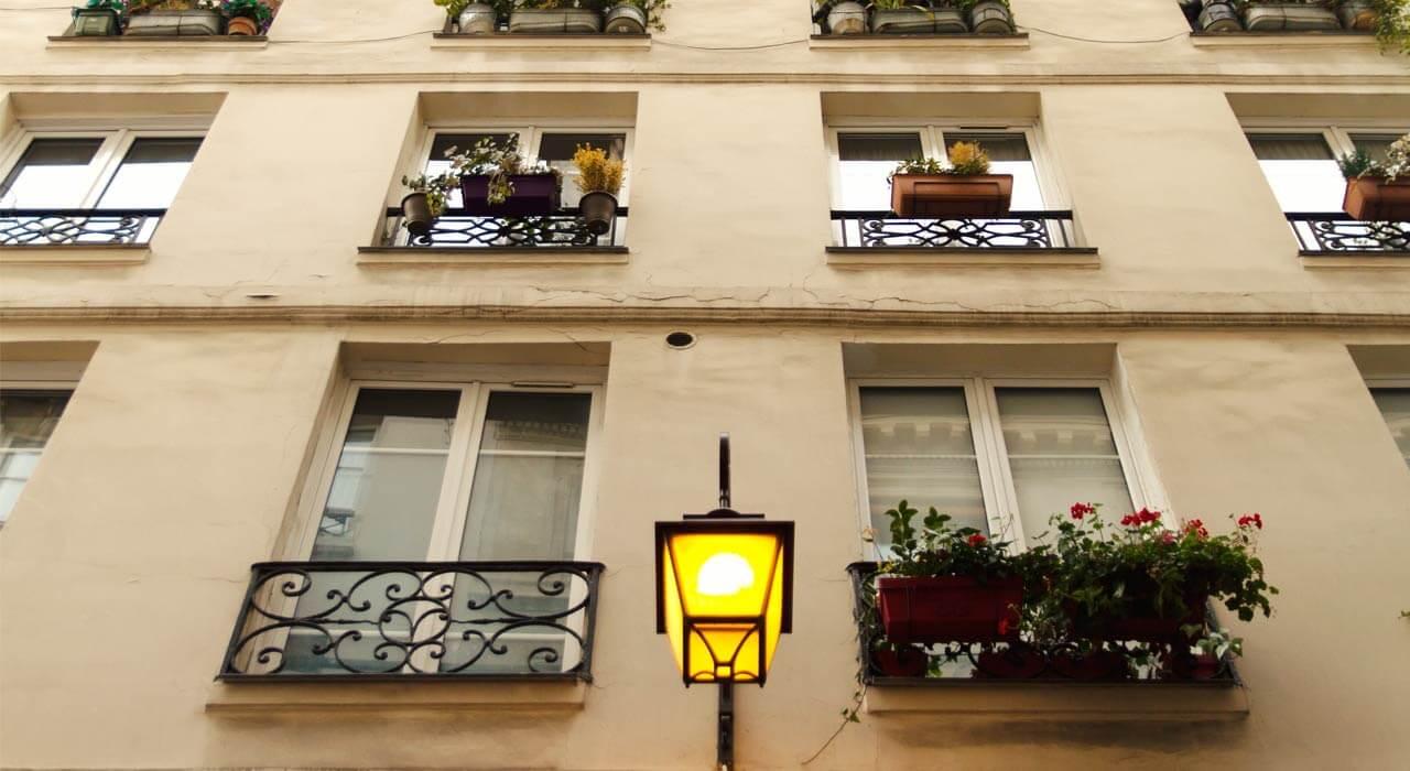 Fenêtres classiques à Paris