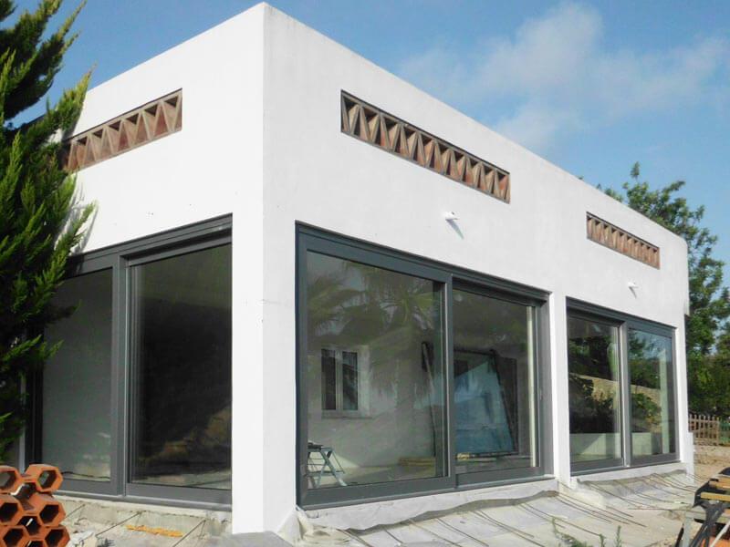 baies vitr es coulissantes levantes pvc mestre raposa france. Black Bedroom Furniture Sets. Home Design Ideas
