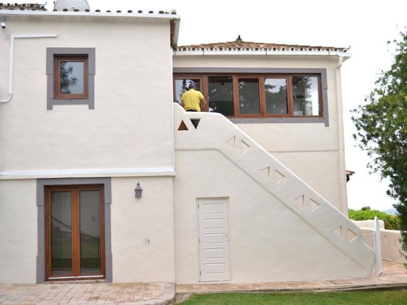 Fenêtres et portes-fenêtres en PVC imitation bois chêne dorée