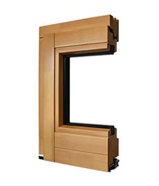 detail de cote de porte-fenetre en bois