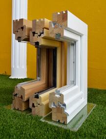 Profils de fenêtres en pin, en chêne et en bois mixte pin-chêne de Mestre Raposa