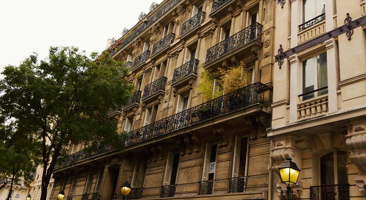 Paris Rénovation Fenêtres Bois à Lancienne Mestre Raposa France