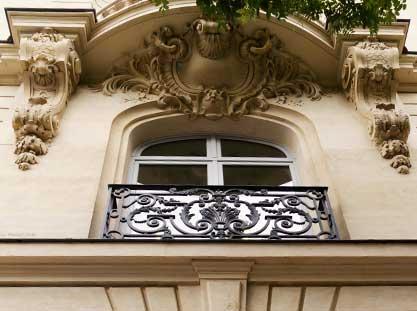 Fenêtres ancienne cintrée à Paris