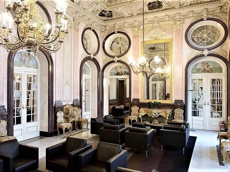 Vue du salon du XIXéme siécle au Palais d'Estoi